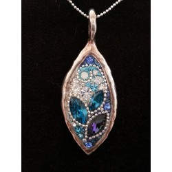 Beautiful handmade set- Leaf shape pendant Necklace (Blue)
