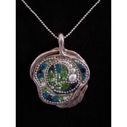 Beautiful handmade set- Flower shape pendant Necklace