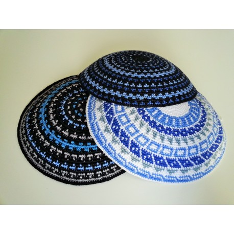 Bigger Black White Carpet Design Knitted Kippa