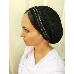 Black knitted Snood with special pearl string