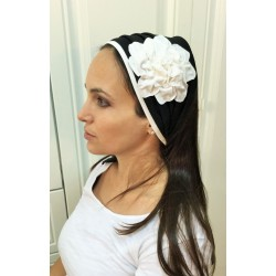 Hairband – Black / White Fancy Flower design