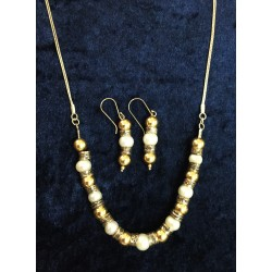 A Romantic Gold and Pearls set